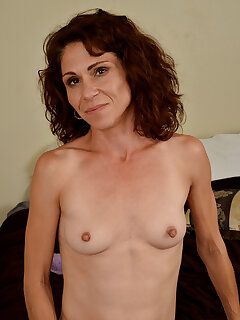 Cougar Small Tits Pictures