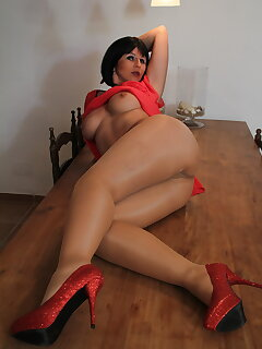 Cougar Pantyhose Pictures