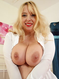 Cougar Boobs Pictures